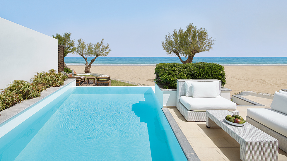 Luxury 2-Bedroom Beach Villa|The private infinity pool is temperature controlled
