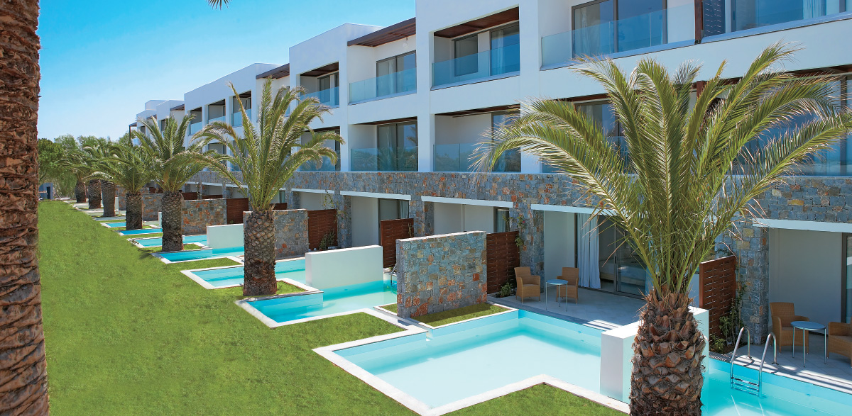 amiraneds-boutique-hotel-luxury-family-suite-with-private-pool