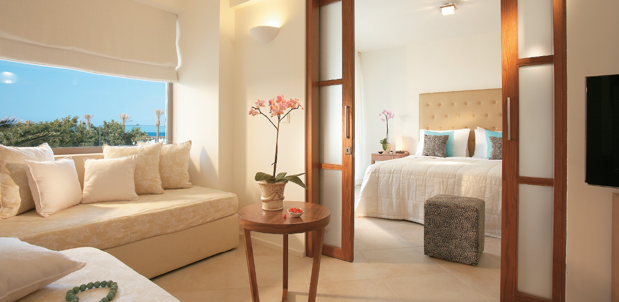 family-luxury-suite-with-private-pool-in-amirandes-family-hotel-crete