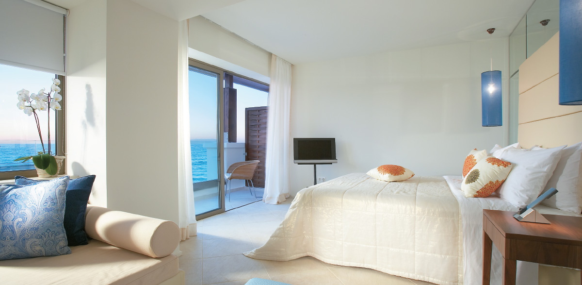 amirandes-crete-resort-luxury-guestroom-best-sea-view