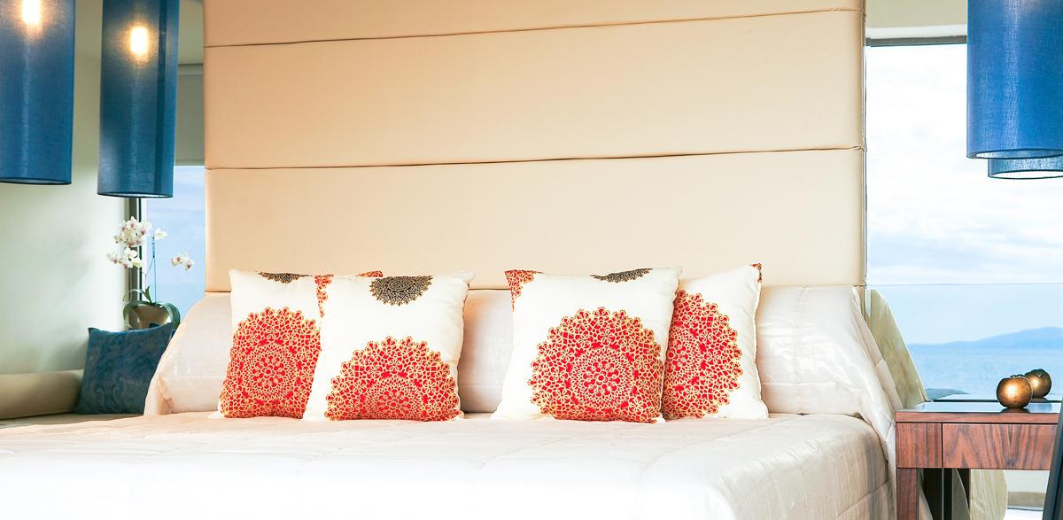 amirandes-crete-resort-luxury-guestroom-best-sea-view-crete