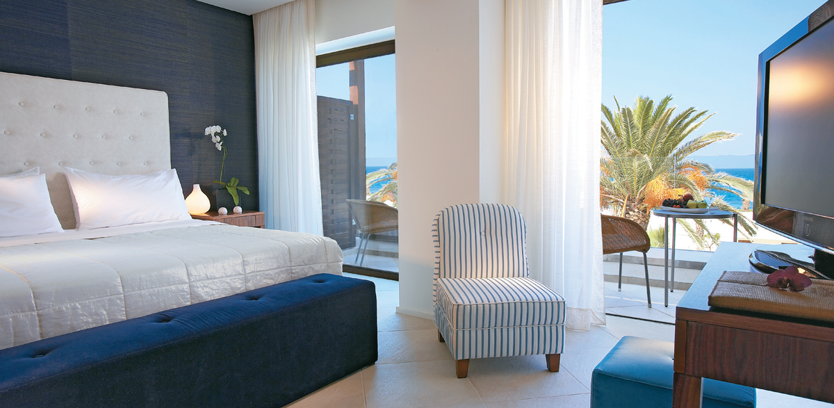 02-amirandes-resort-superior-room-sea-view-crete