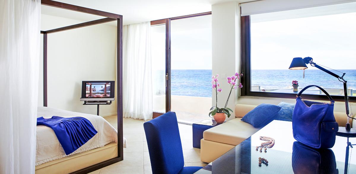 deluxe-junior-bungalow-suite-accommodation-in-amirandes-resort-crete