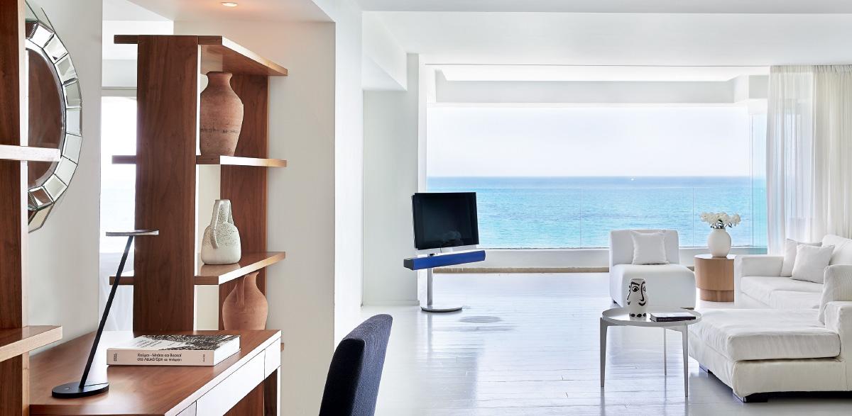 03-luxury-in-simplicity-amirandes-boutique-resort-one-bedroom-grand-suite