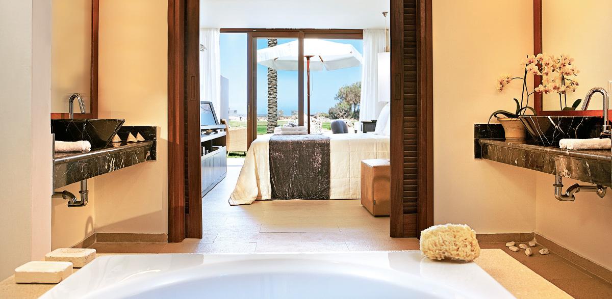 02-luxury-bungalow-in-amirandes-resort-crete
