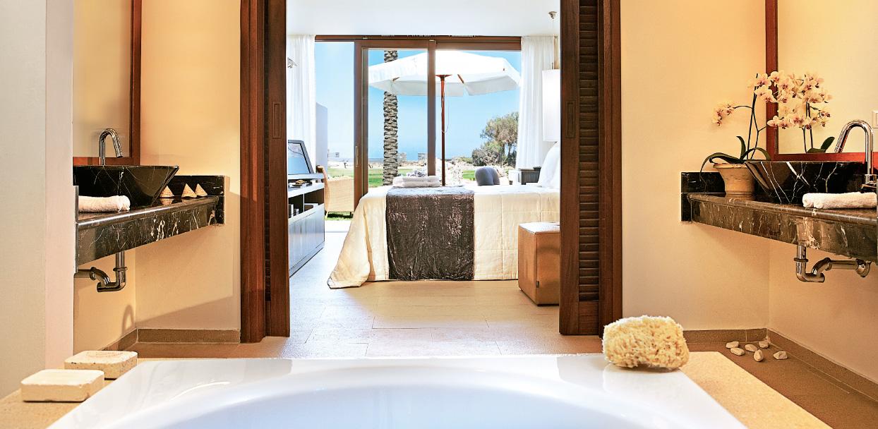 bedroom-in-amirandes-luxury-bungalow