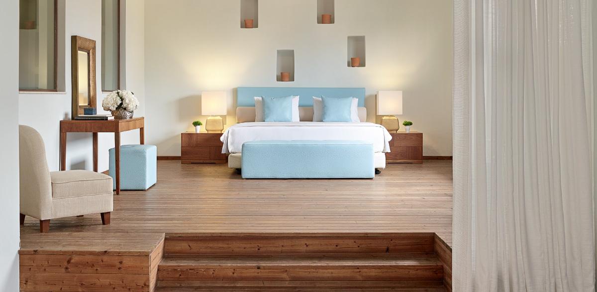 04-bedroom-in-amirandes-luxury-resort-crete