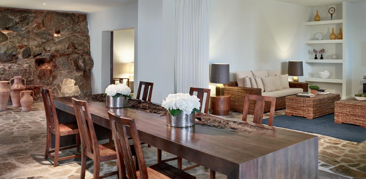 03-dining-area-in-royal-residence-amirandes-villa