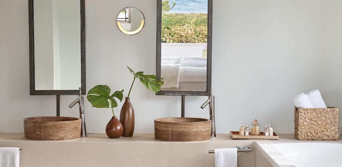 07-bathroom-in-amirandes-villa-accommodation-in-crete