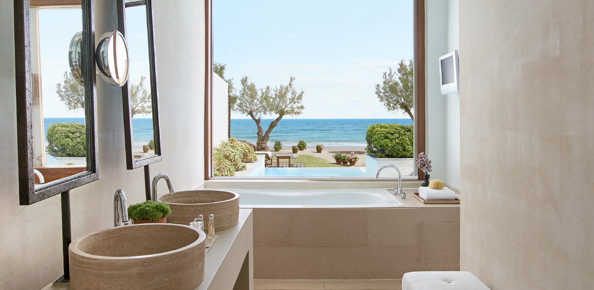 01-amirandes-creta-beach-villa-with-pool-bathroom