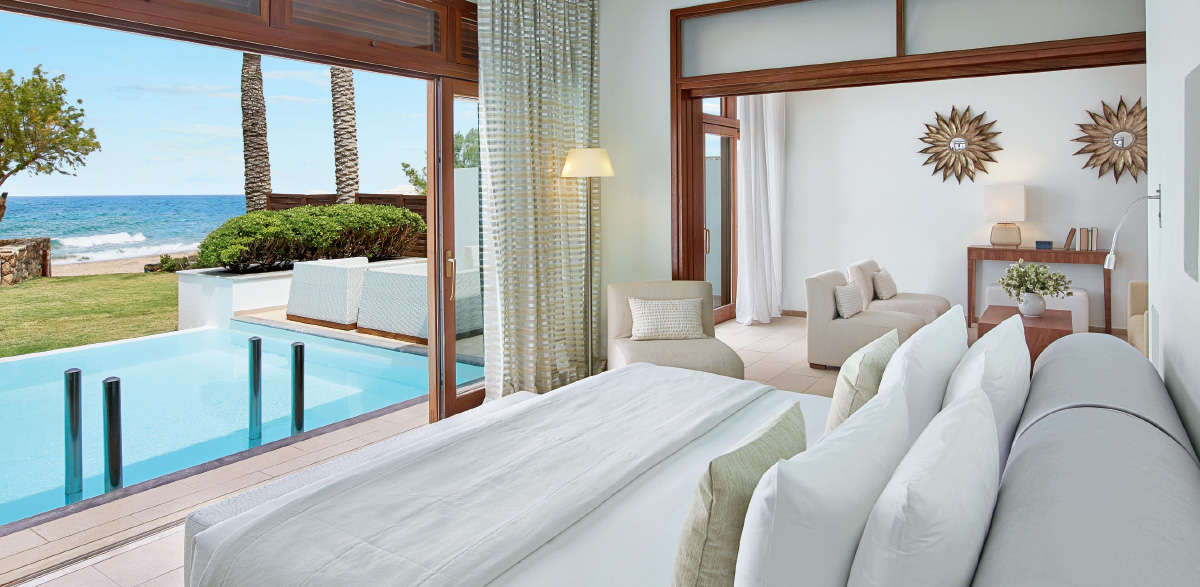 06-luxury-accommodation-villa-in-amirandes-resort