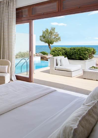 luxury-beach-villa-with-pool-in-amirandes-resort