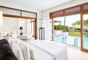 32-presidential-villa-seafront-with-private-heated-pool-and-garden-views-from-the-bedroom