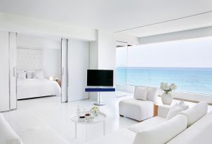 33-one-bedroom-grand-suite-lounge-quarters