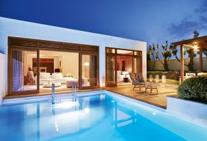 34-the-royal-residence-with-private-heated-pool-and-extensive-garden-outdoors-views