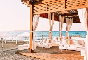 35-amirandes-sunset-lounge-beach-bar