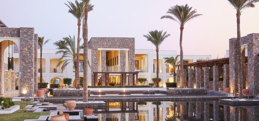 01-amirandes-boutique-resort-luxury-holidays-in-crete-island
