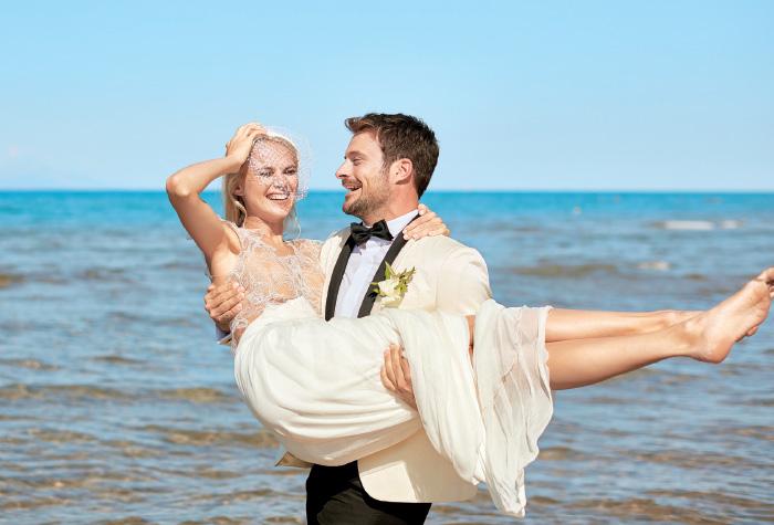 02-amirandes-pearl-perfection-honeymoon-package